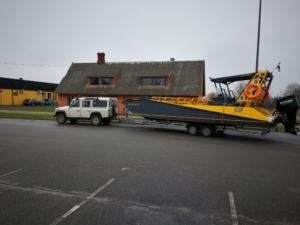 trailer boat