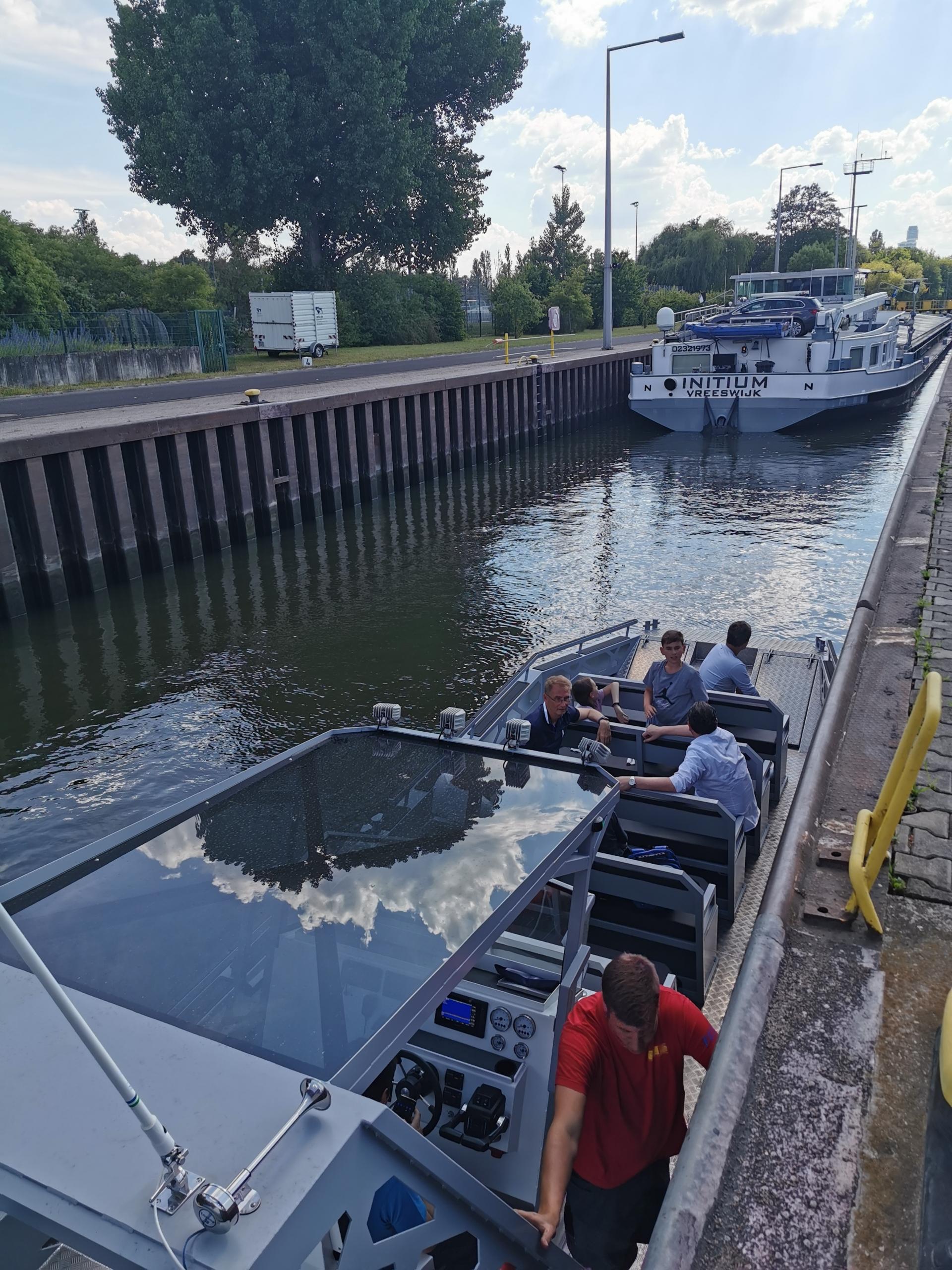 Tour Boat Frankfurt